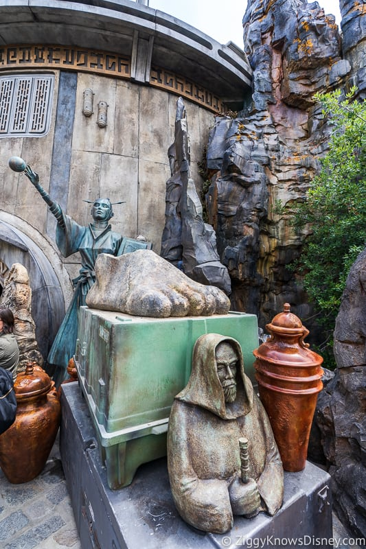 outside Dok Ondar's Den of Antiquities Galaxy's Edge