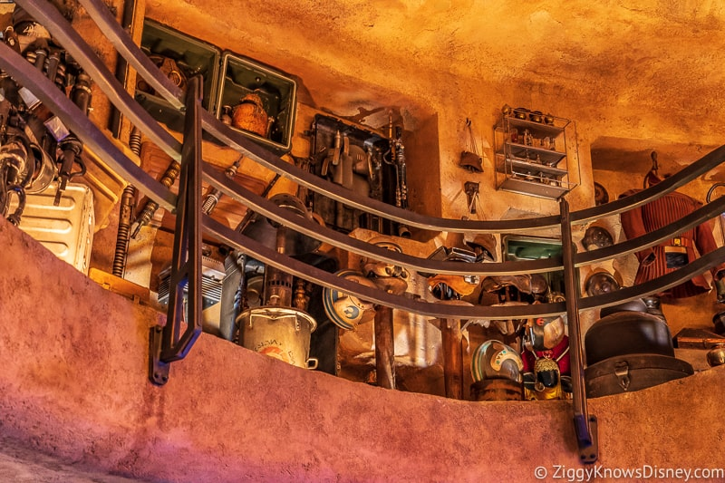 Dok Ondar's Den of Antiquities Galaxy's Edge artifacts 2