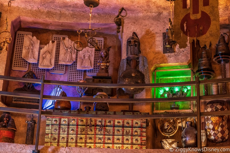 Dok Ondar's Den of Antiquities Galaxy's Edge artifacts 3