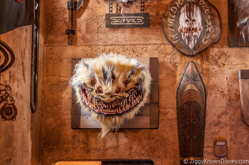 animal heads in Dok Ondar's Den of Antiquities Galaxy's Edge 2