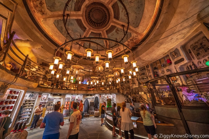 inside Dok Ondar's Den of Antiquities Galaxy's Edge