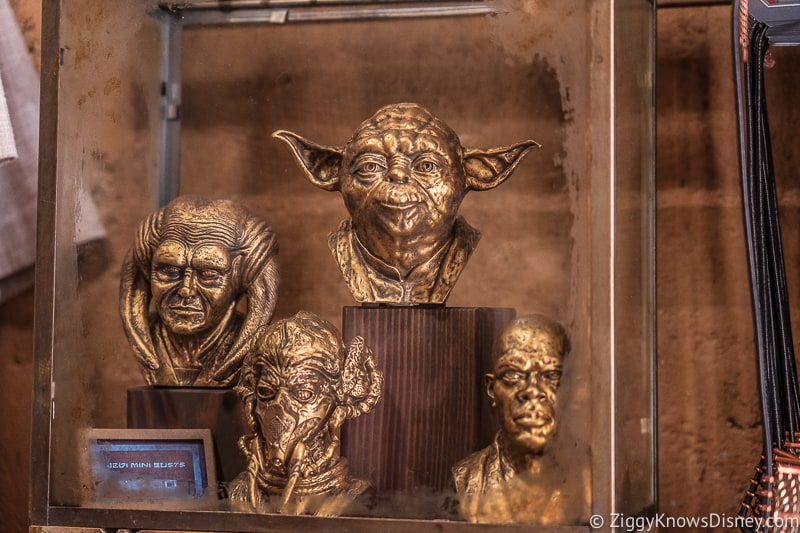Dok Ondar's Den of Antiquities Merchandise Jedi Busts