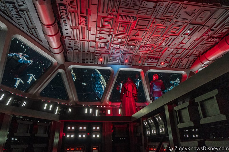 Star Wars: Rise of the Resistance Kylo Ren and General Hux on bridge