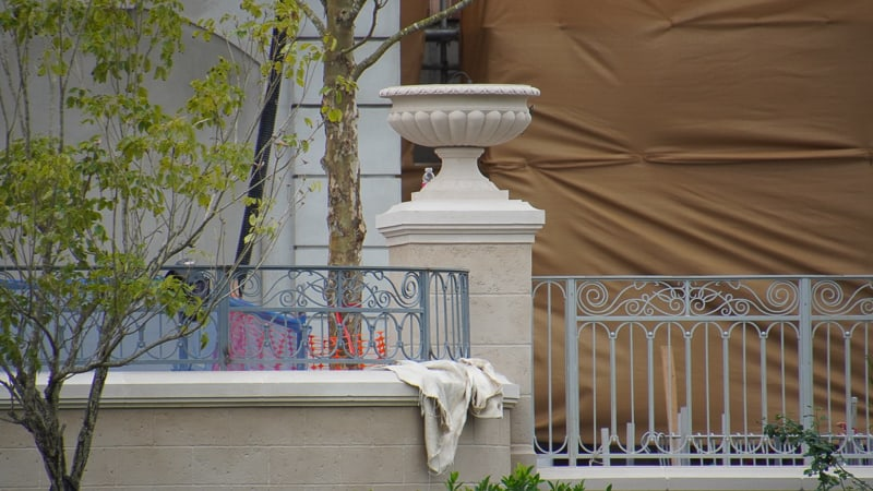 detailed columns in France pavilion construction update January 2020