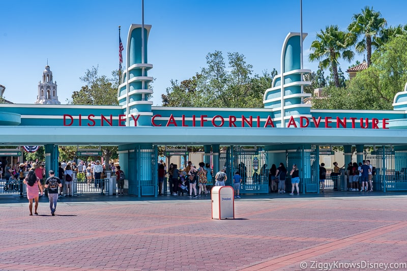 lower attendance in Disney Parks for Coronavirus