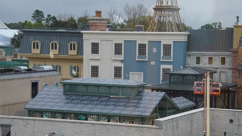 France pavilion construction update February 2020 roof work on the extended queue