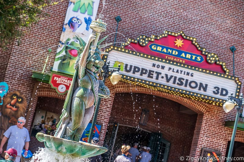 Disney's Hollywood Studios Rides miss piggy statue outside Muppet Vision 3D