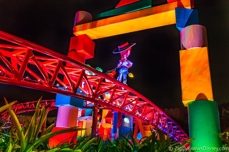 Disney's Hollywood Studios Best Rides Slinky Dog Dash at night