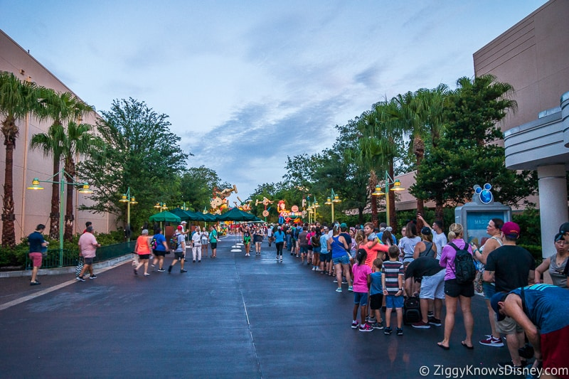 Hollywood Studios rope drop Slinky Dog Dash line