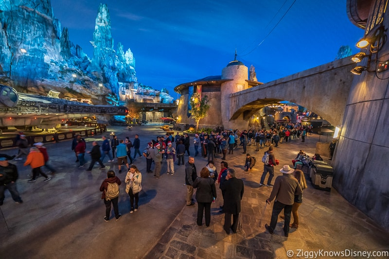 Rope drop Galaxy's Edge Hollywood Studios