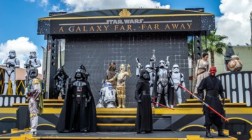 Star Wars: A Galaxy Far, Far Away closing