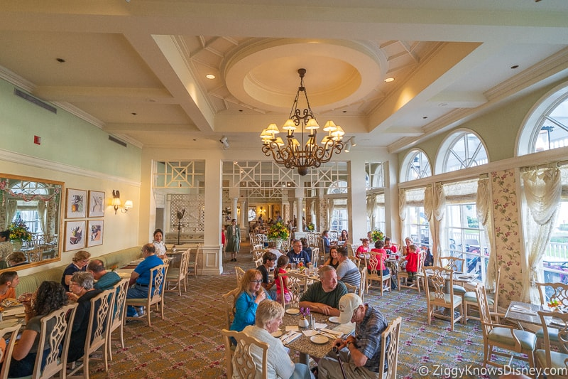 Free Dining Table Service Restaurants