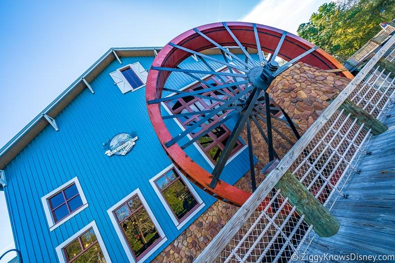 Big water wheel Disney's Riverside Resort