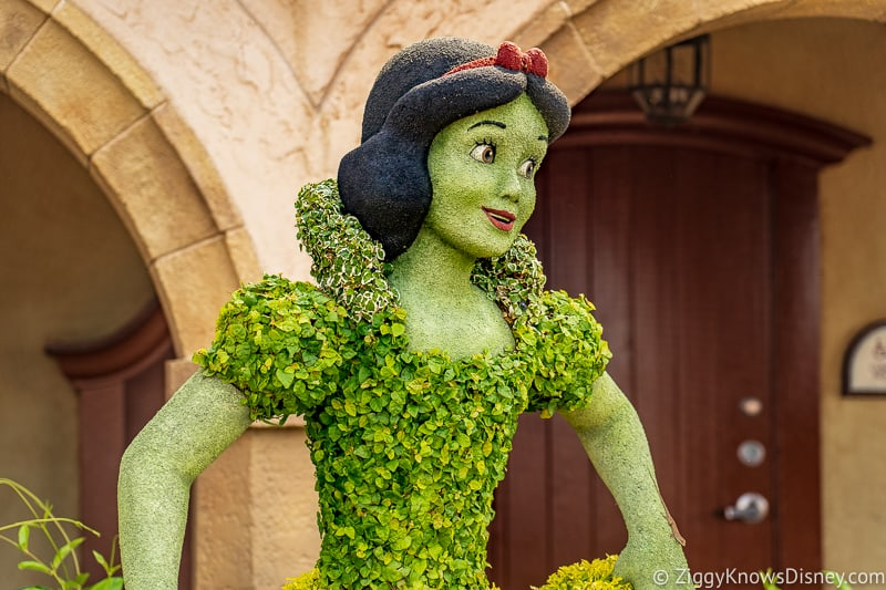 Snow White topiary EPCOT Germany pavilion
