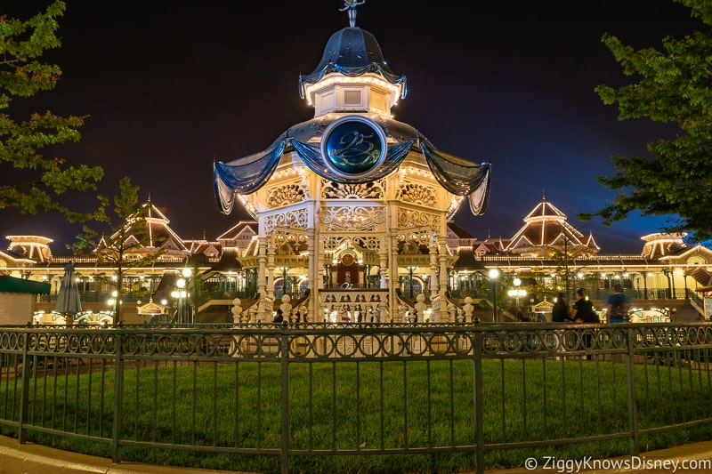 Disneyland Paris closure Disneyland Park at night
