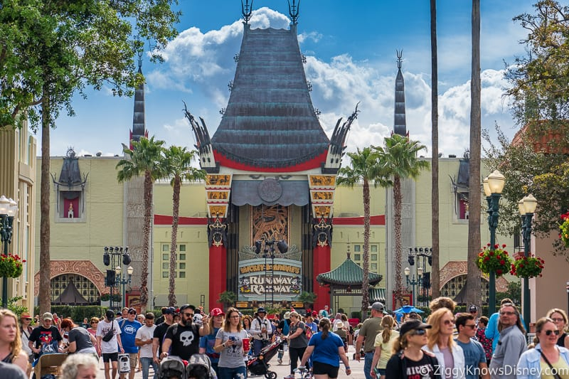 looking down Hollywood Blvd in Disney's Hollywood Studios crowds