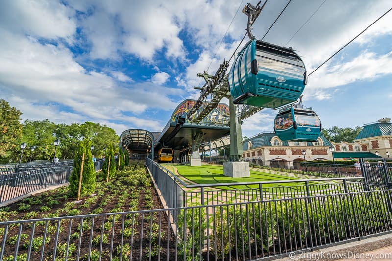 Disney Skyliner Gondola in Disney World