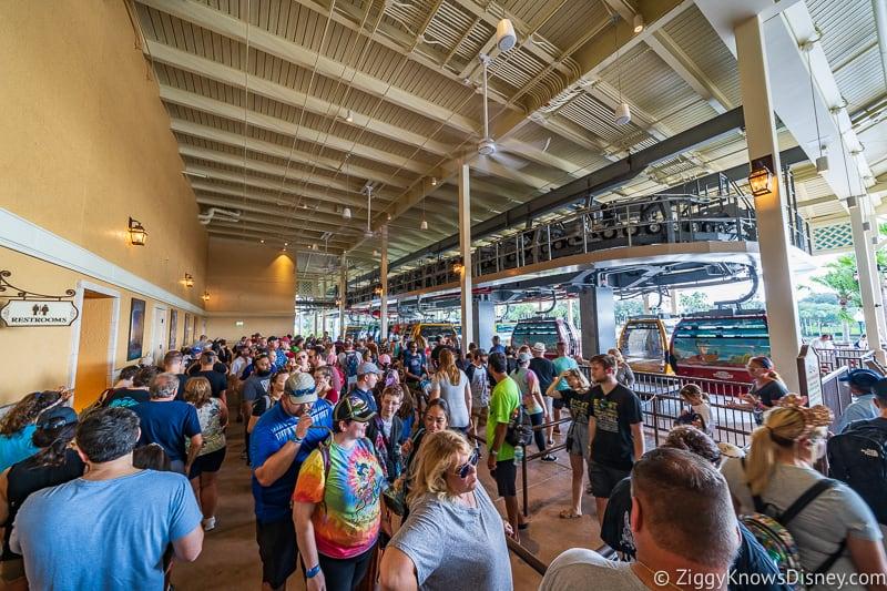 Disney Skyliner Gondola wait times