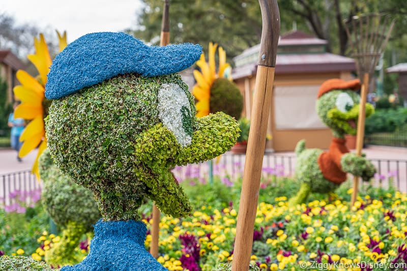 Dewey Topiary Epcot Flower and Garden Festival