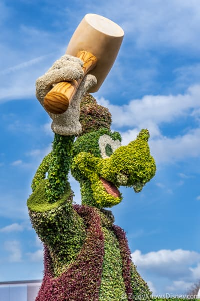 Goofy Topiary Epcot Flower and Garden Festival