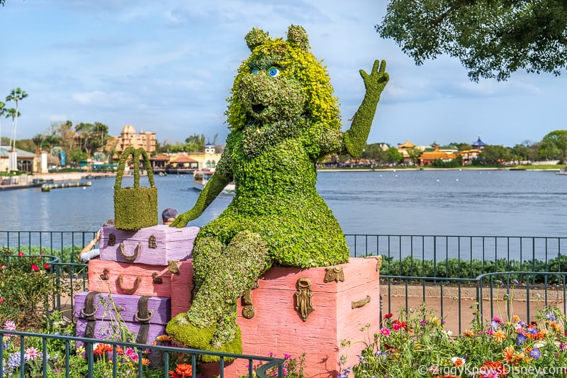 Miss Piggy Topiary Epcot Flower and Garden Festival