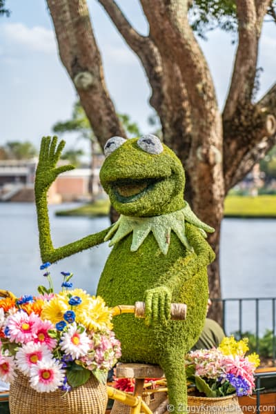 Kermit Topiary Epcot Flower and Garden Festival