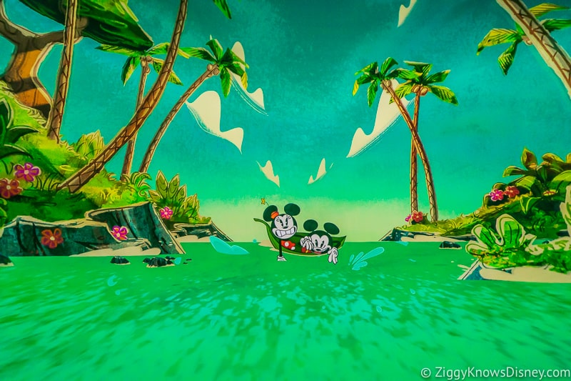 Mickey and Minnie's Runaway Railway over the falls