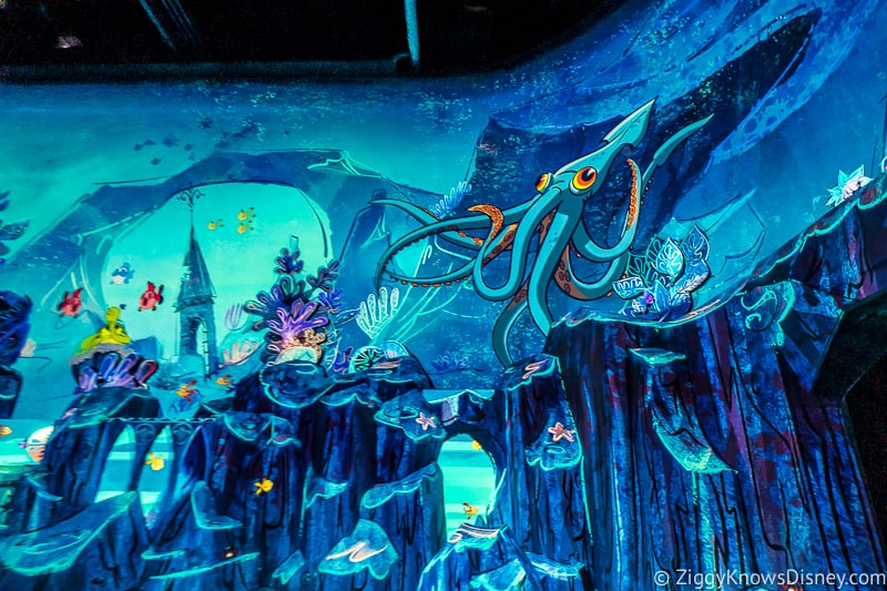 Mickey and Minnie's Runaway Railway underwater scene