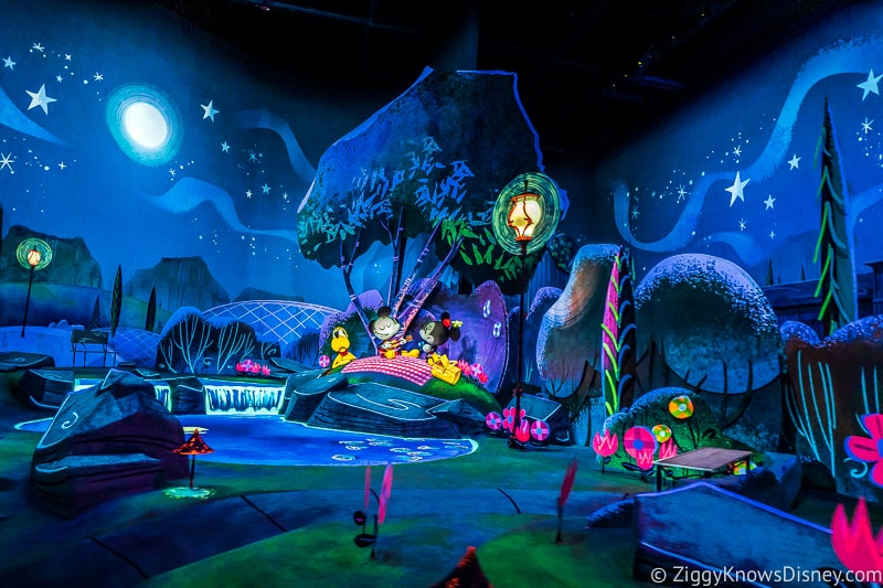 picnic scene in Mickey and Minnie's Runaway Railway ride