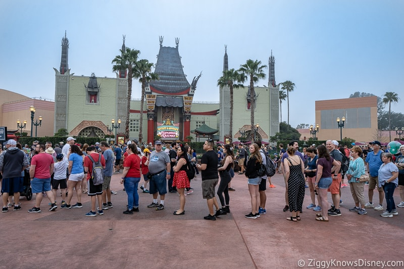 guests lined up for Mickey and Minnie's Runaway Railway