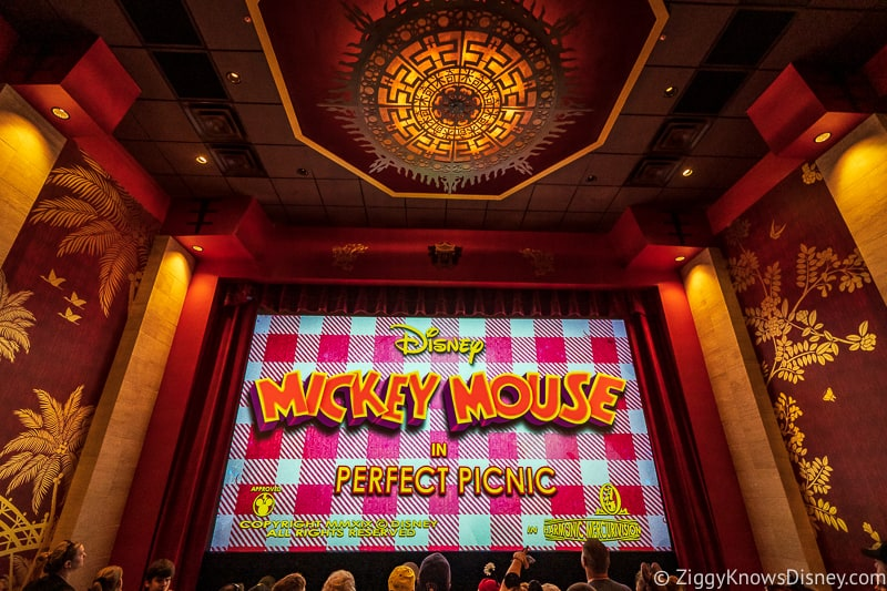 Theater room Mickey and Minnie's Runaway Railway
