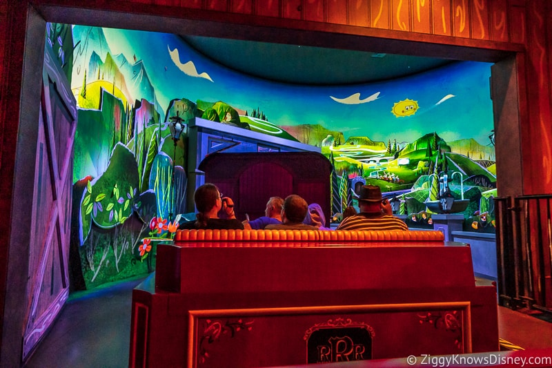 Mickey and Minnie's Runaway Railway leaving the station