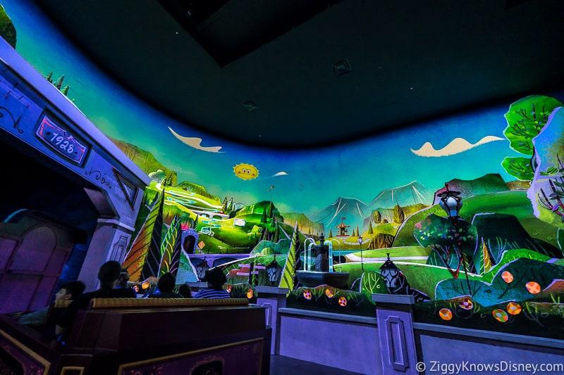 Mickey and Minnie's Runaway Railway Runnamuck Park