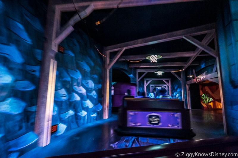 Mickey and Minnie's Runaway Railway tunnel