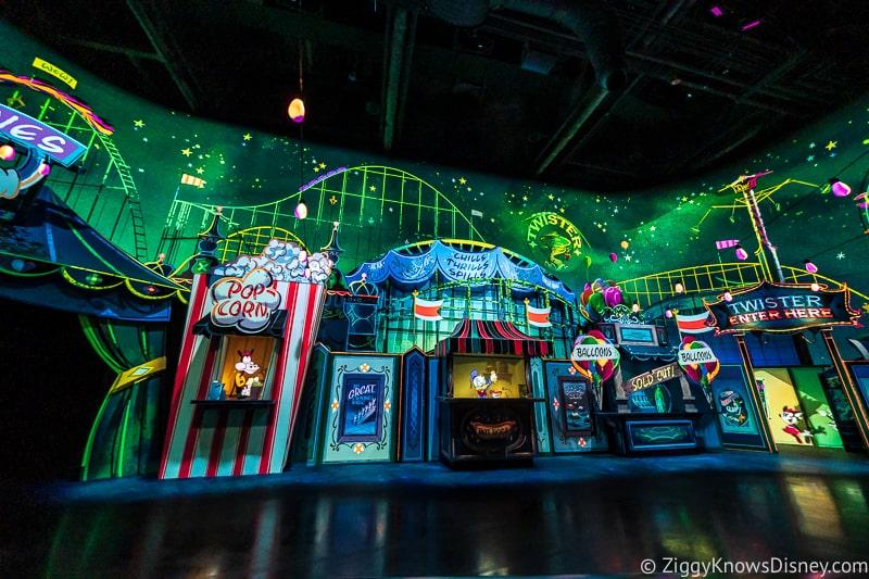 Carnival scene Mickey and Minnie's Runaway Railway
