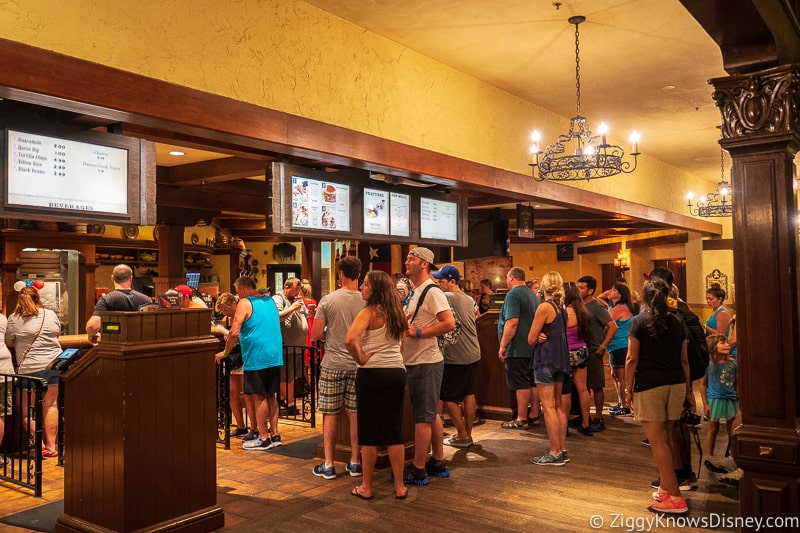 Skip long lines for food with Disney Mobile Ordering