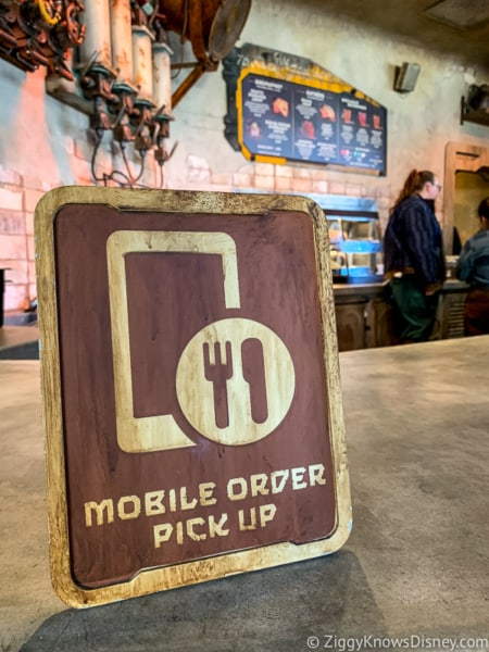 Mobile Order sign at the pick-up counter
