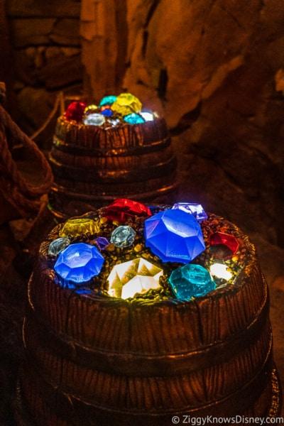 Jewels in Seven Dwarfs Mine Train queue