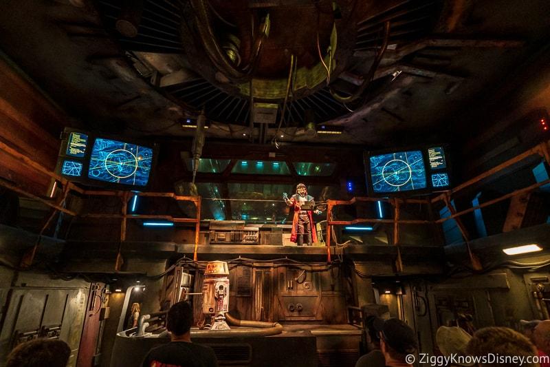 Smugglers Run pre-show room in Disney World