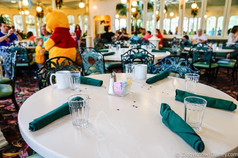 empty table at crystal palace Magic Kingdom