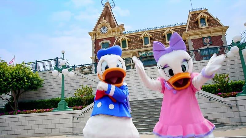 Donald and Daisy Duck at Hong Kong Disneyland