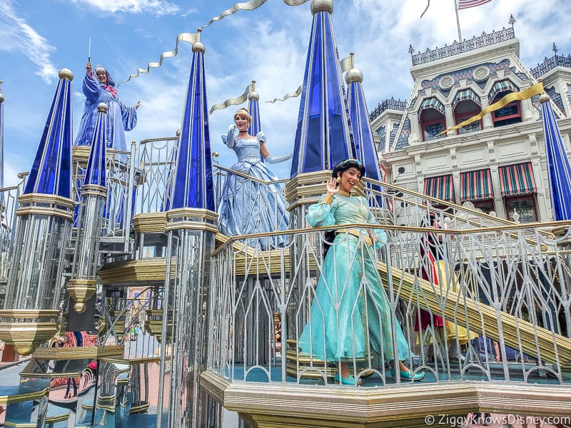 Jasmine and Cinderella Magic Kingdom Character Cavalcade