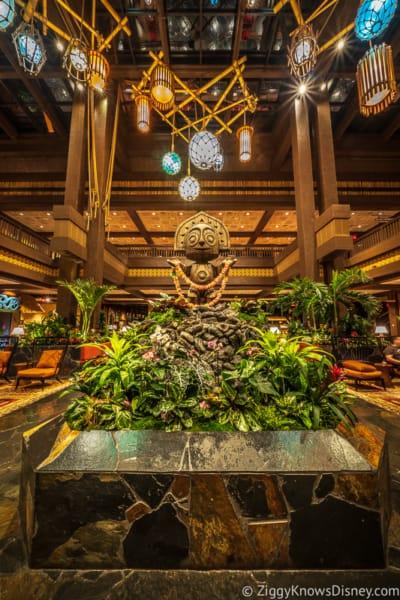 Disney's Polynesian Village Resort lobby statue