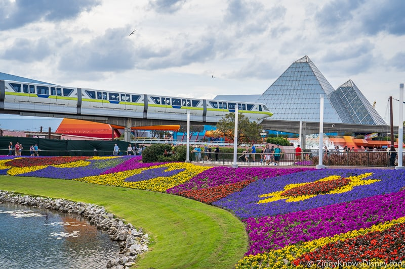monorail passing by Imagination! Pavilion