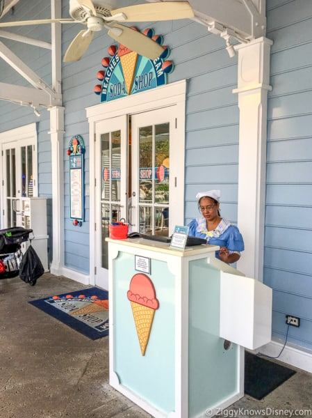 Entrance to Beaches and Cream Soda Shop