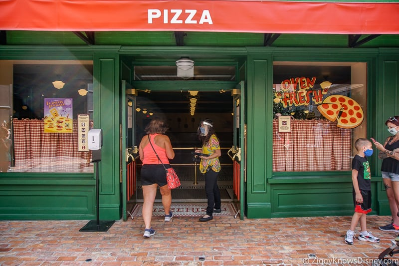 PizzeRizzo entrance Hollywood Studios