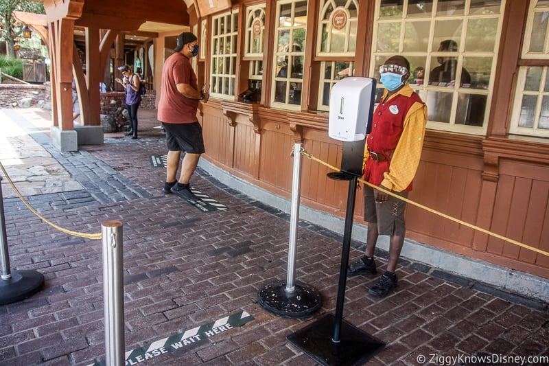 Storybook Treats queue after reopening in Magic Kingdom