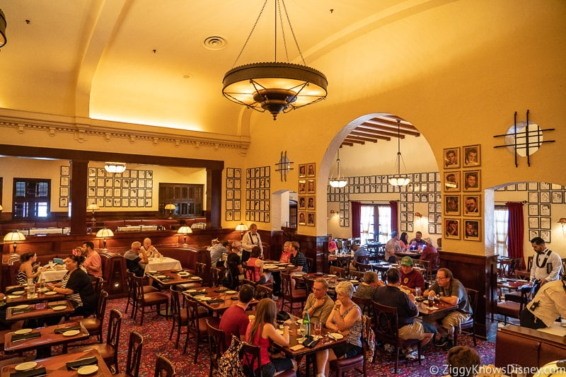 Inside Hollywood Brown Derby restaurant
