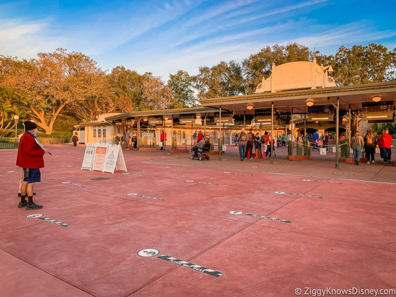 Park Hopping Magic Kingdom Entrance