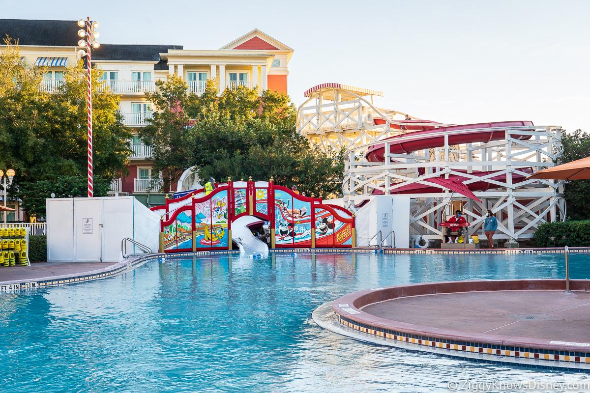 Luna Park Pool Boardwalk Inn